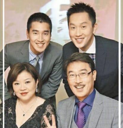 マークチャオの父母親と家族